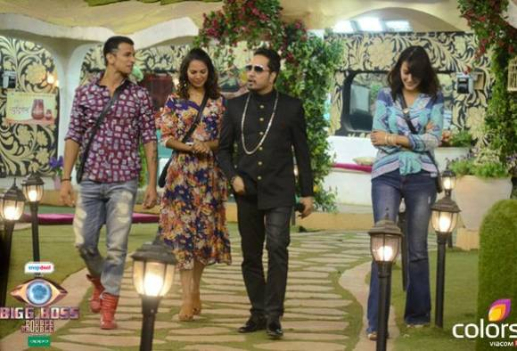 BIGG BOSS DAY 103: Housemates spend last day inside the house; RJ Malishka ...
