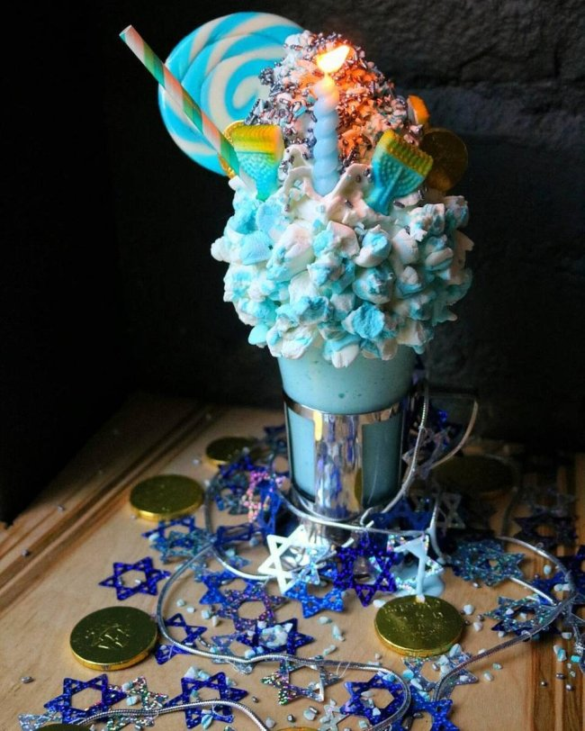 This New York City restaurant makes some of the craziest milkshakes you will ...