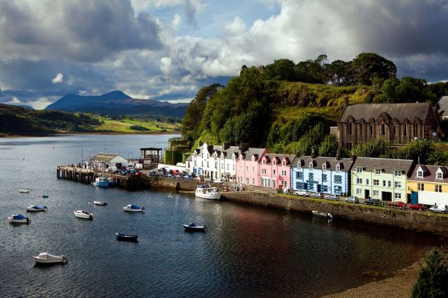 Wife Appreciation Day: 12 romantic locations to visit in Scotland