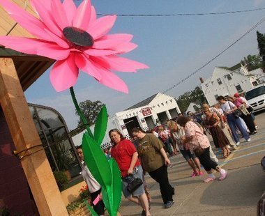 Free roses up for grabs on Good Neighbor Day at Burton florist, with a twist