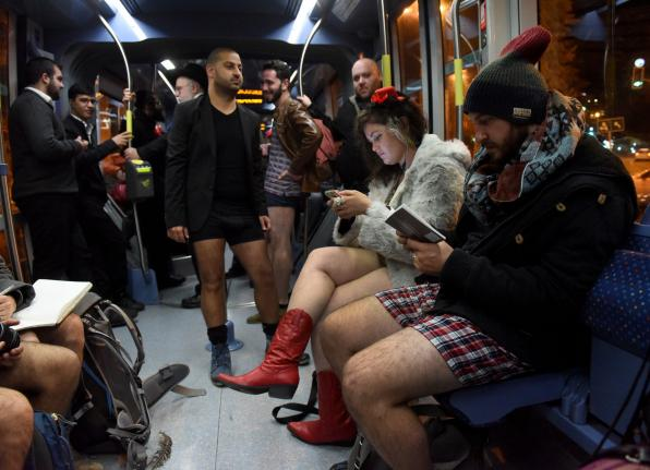 Israelis commute pantless for 'No Pants Day'