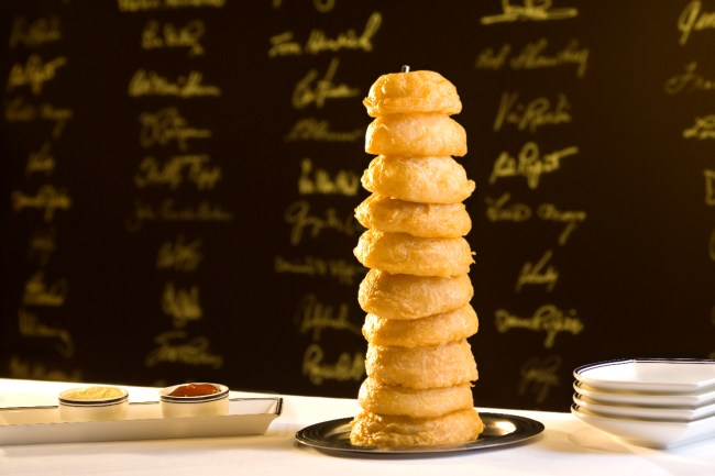 Onion rings are for ogling on National Onion Rings Day