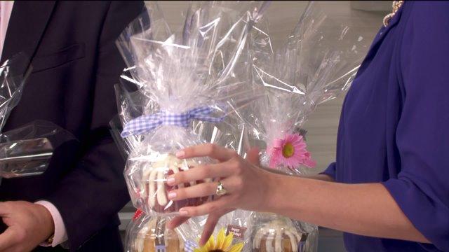Nothing Bundt Cakes celebrates National Cake Decorating Day