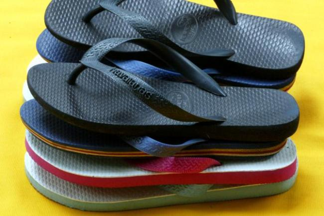 National Flip-Flop Day 2015 Freebies: Smoothies, Slushies And Six Flags Free ...
