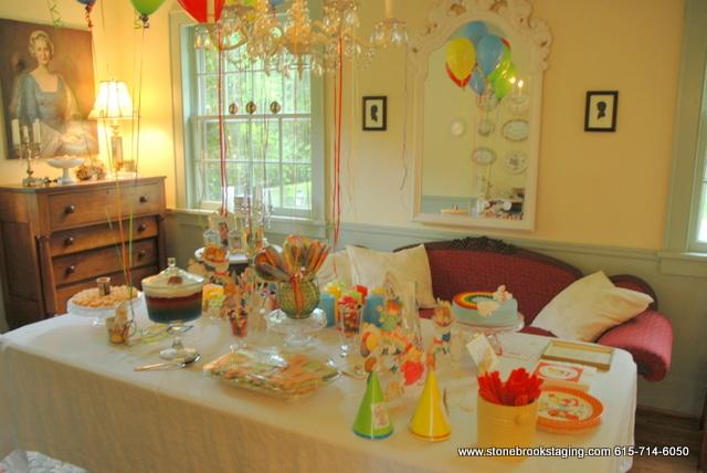 DSC 0572 Rainbow Birthday Party (Joan Walsh Anglund)