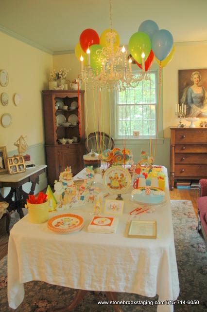 DSC 05742 Rainbow Birthday Party (Joan Walsh Anglund)