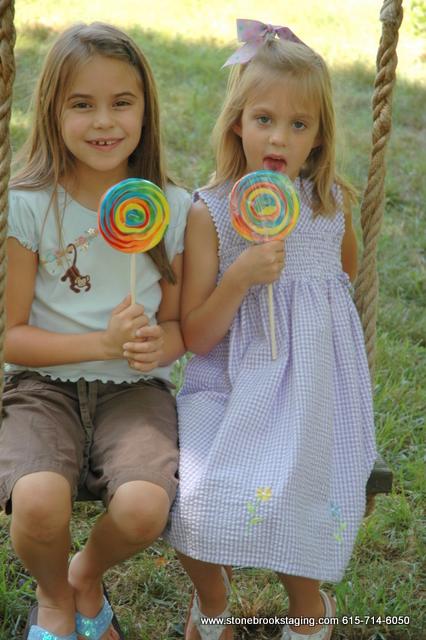 DSC 0720 Rainbow Birthday Party (Joan Walsh Anglund)