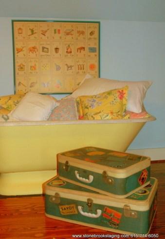 DSC 9402 Vintage Luggage