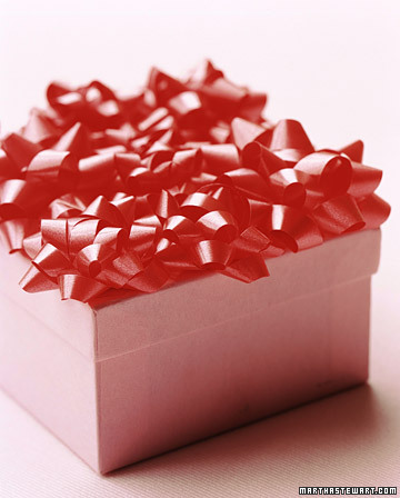 bunch of bows Christmas Gift Wrap Inspiration
