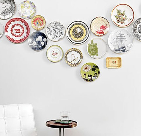 sunset mag via downandoutchic Plate Collages (The Art of Creative Plate Hanging)