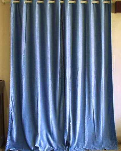 blue velvet drapes via static voovy com Blue Velvet, Baby!