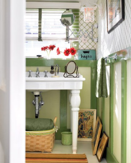 Faux Bathroom Paneling Green RENO0407 de Inside a Renovated Schoolhouse