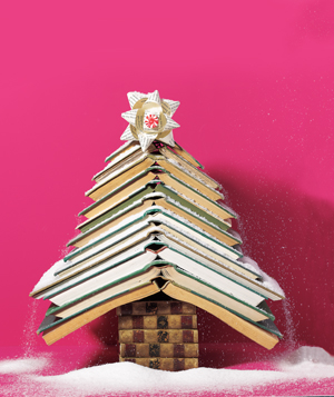 book christmas tree via amusedbybooks Can Your Kindle Do THIS???