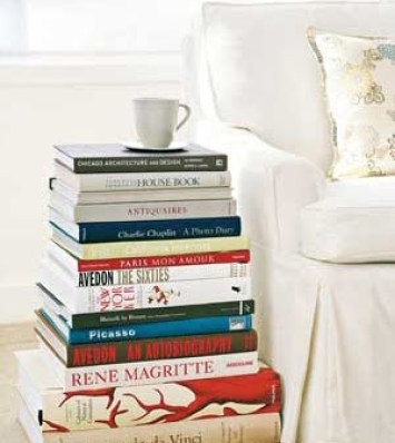 bookstack side table via dec0r Can Your Kindle Do THIS???