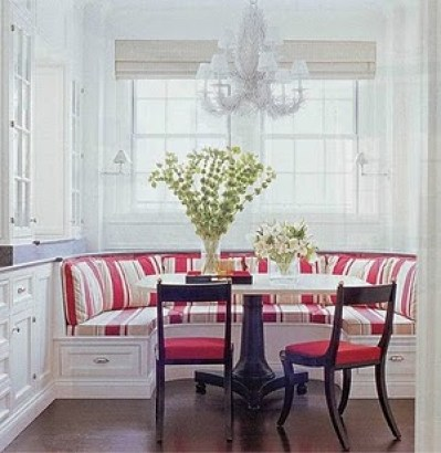banquette red and white via interiorsrefined blogspot Banquette Bonanza & Free Virtual Design!