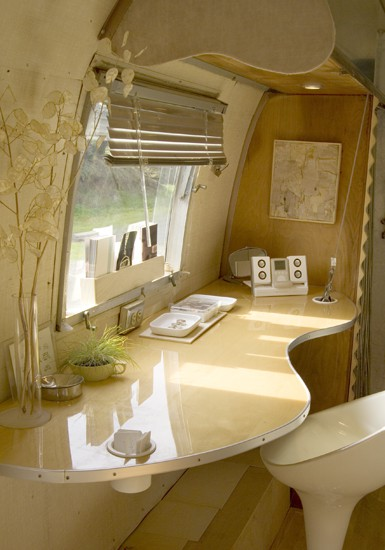 airstream office via silvertrailer Pipe Dreams, Airstreams, and Pinterest