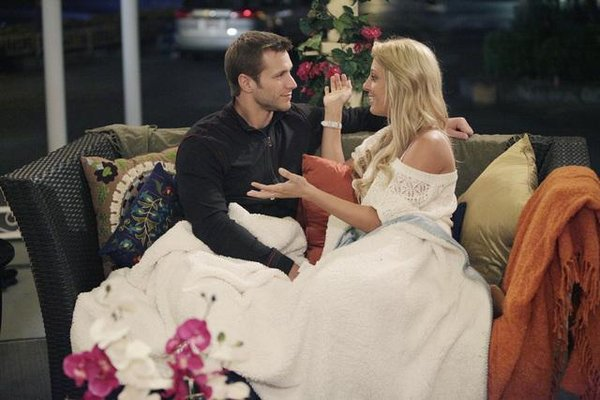 jake and vienna via forladiesbyladies What The Bachelor Can Teach You About Decorating
