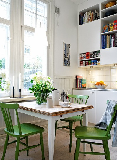 green chairs Accent Wall Alert   Dont Make This Mistake!