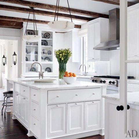 tudor2 How Do You Paint a Tudor Style Home?