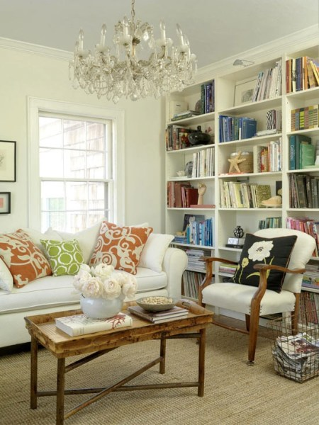 ddf37bd8b4ae12064b7489a99aa0bc54 450x600 How to Style a Gorgeous Bookcase