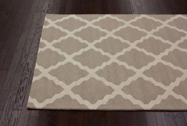 Rugs usa rug 2 600x405 The Pros and Cons of Ordering Rugs Online