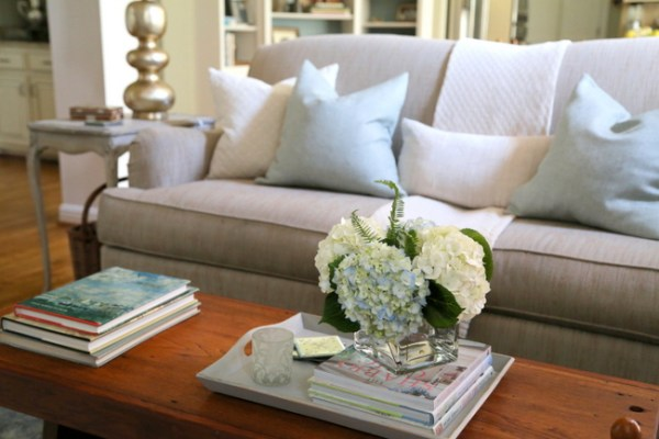 7O3A0340 600x400 Staging a Dated Sofa   Styling Tricks from The Decorologist