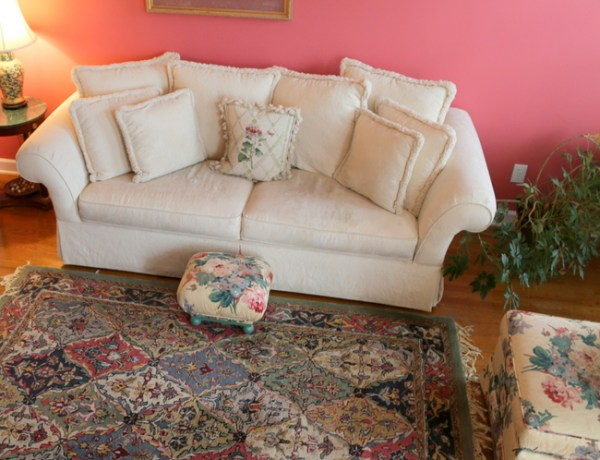 7O3A4507 600x460 Staging a Dated Sofa   Styling Tricks from The Decorologist