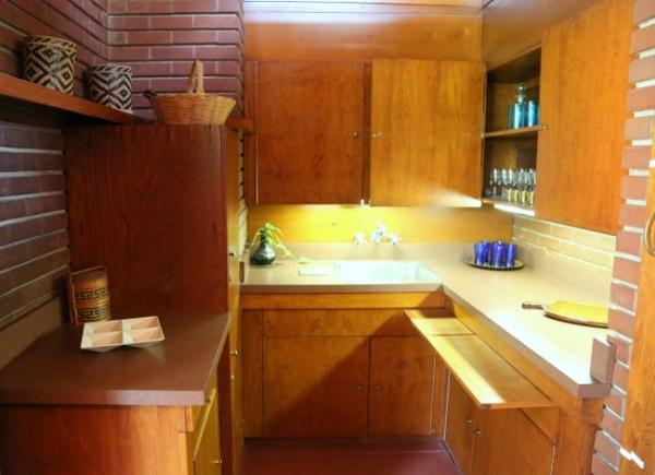 7O3A9035 600x435 Frank Lloyd Wrights Rosenbaum House Tour