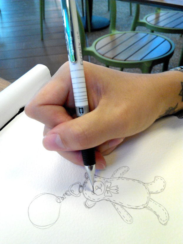how to hold tablet pen