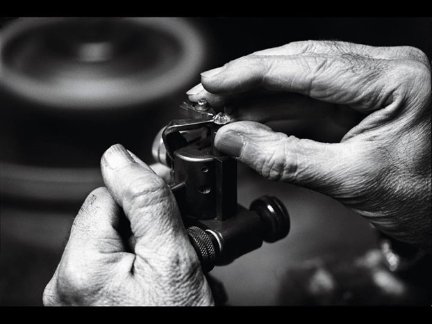 Van Cleef & Arpels - Diamond cutter