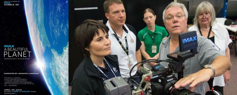 At the Johnson Space Center in Houston, Astronauts are learning how to use the Canon modified IMAX camera. From left to right : Italian astronaut Samantha Cristoforetti, NASA astronaut Terry Virts, Katrina Willoughby (spaceflight training at NASA), James Neihouse (cinematographer) and Toni Myers (director). Crédit : NASA/Lauren Harnett