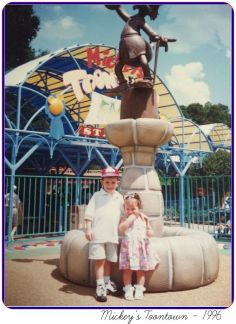 ToonTown Fountain Uncle Scrooge - Throwback Thursday
