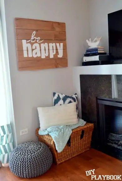Personalized pallet sign