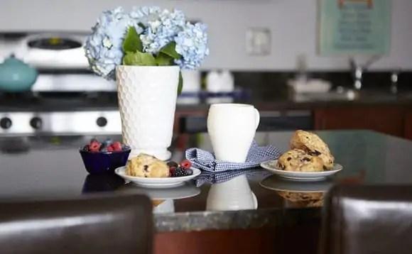 breakfast scene
