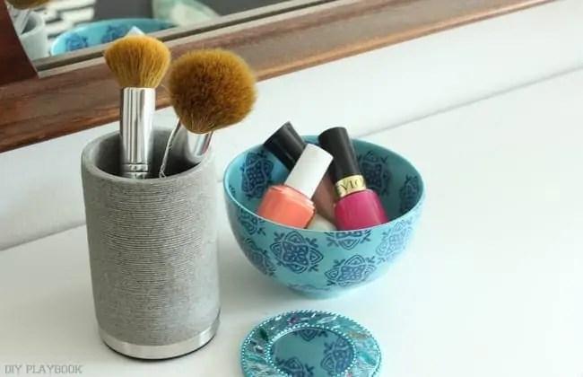 Nail polish bowl