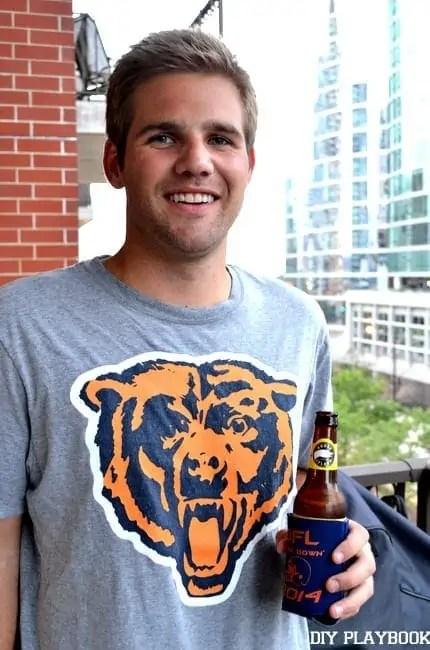 Finn-Holding-Beer-Koozie-001