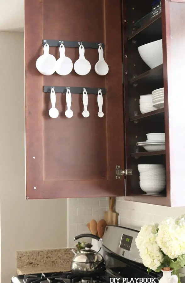 Measuring-cup-spoon-organizer