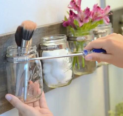 Unscrew-mason-jar-organizer-to-clean