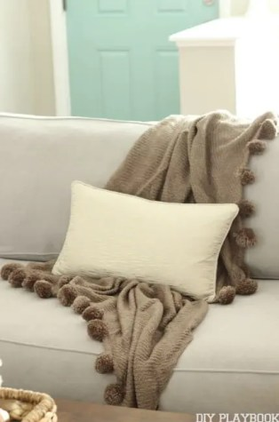 Pillow Blanket Fall Home Tour