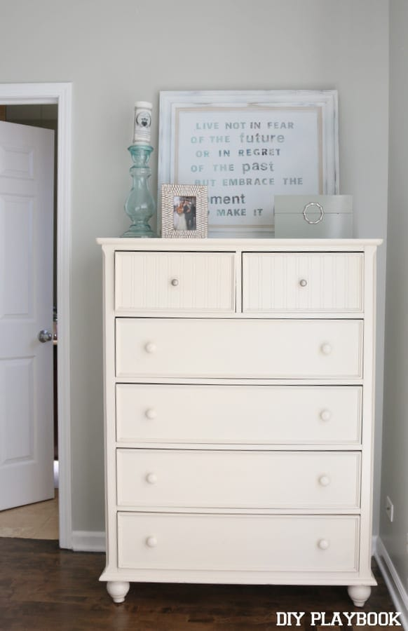 06-white-dresser-bedroom