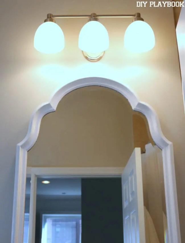 10-lowes-vanity-light-bathroom