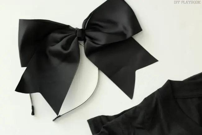 Black Bow Halloween Emoji Costume
