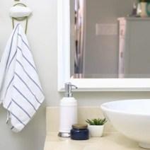 05-bathroom-towel-hook