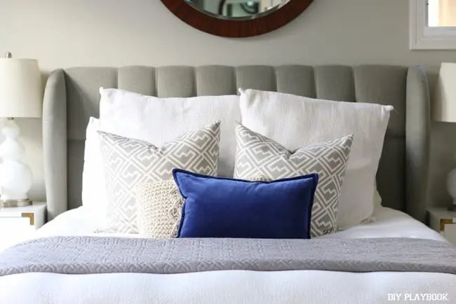 11-bed-pillows-master-bedroom