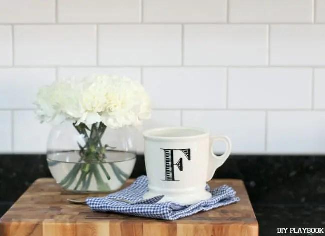 12-coffee-cup-flowers-kitchen-subway-tile-backsplash