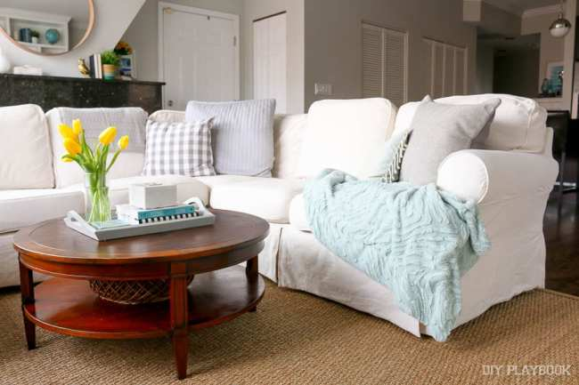 couch-sectional-white-family-room