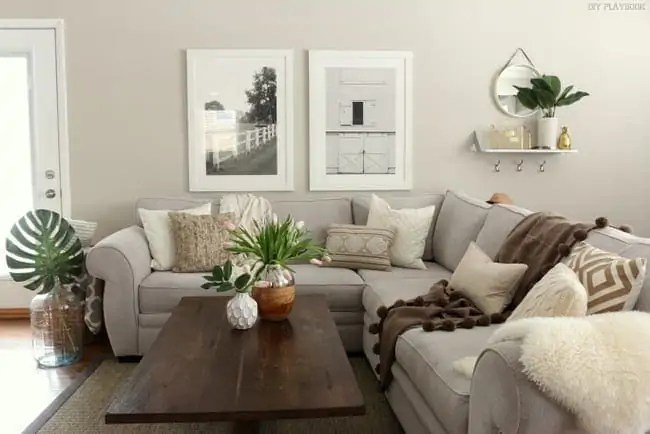 family_room_couch_pillows_flowers_Bridget-004