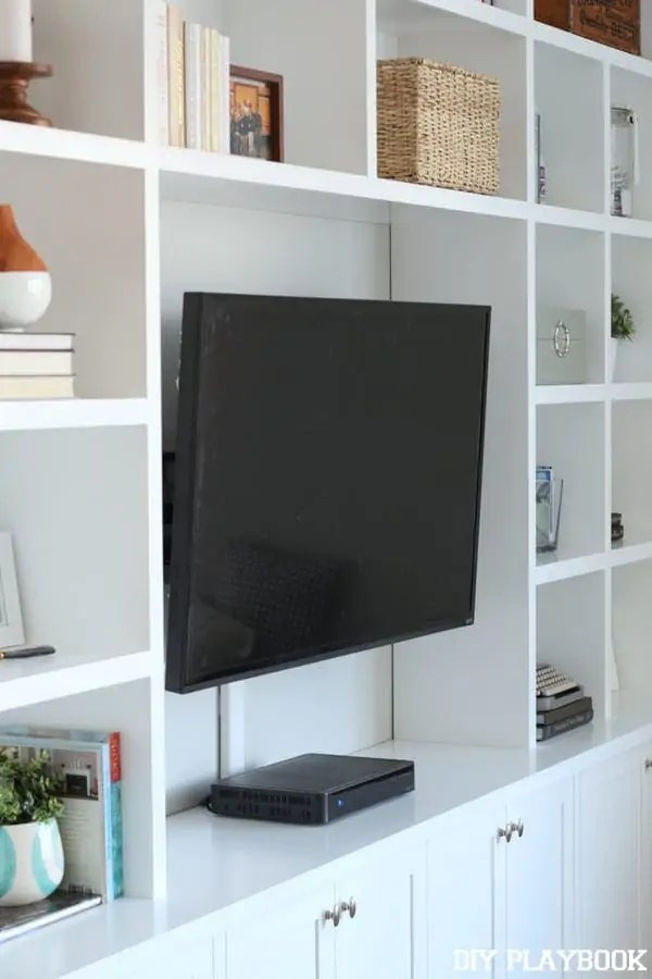 flat-screen-tv-mounted