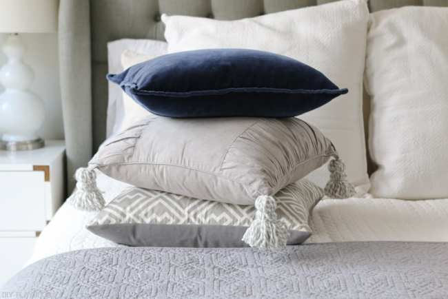 diy_tassel_pillow_tutorial-17