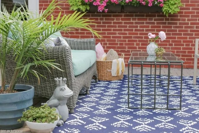 Bridget_Patio_Furniture_flowers_plants-16